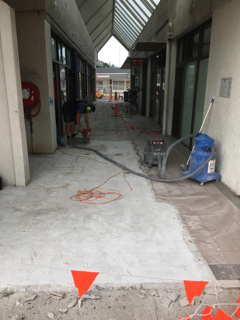 Tile removal gold coast brisbane floor removal our absolute floor stripping team are able to strip tiles gold coast and beyond residential commercial or industrial property we are able to remove tiles dailygadgetfo Choice Image
